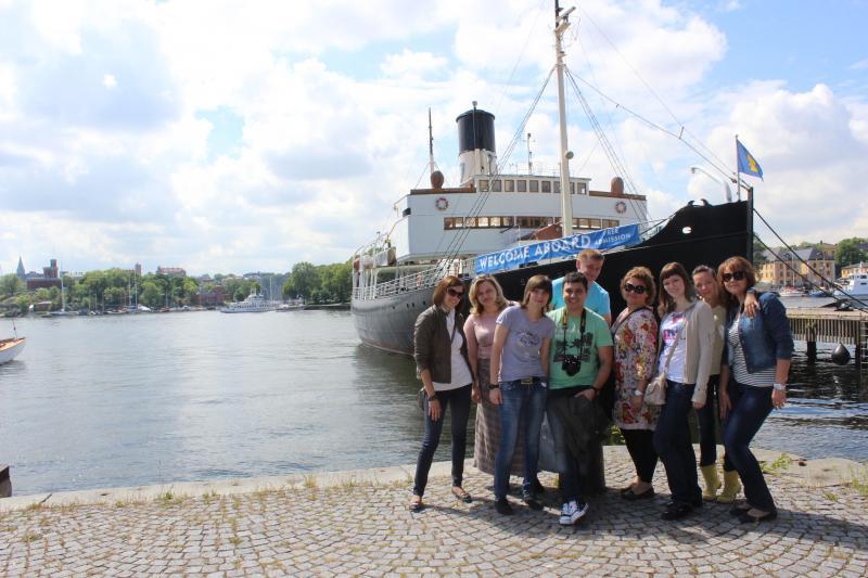 Стокгольм - ПАКовцы на острове перед музеем Vassa