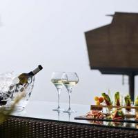 «Романтический побег». Специальное предложение от Hotel Palafitte 5*, Невшатель, Швейцария