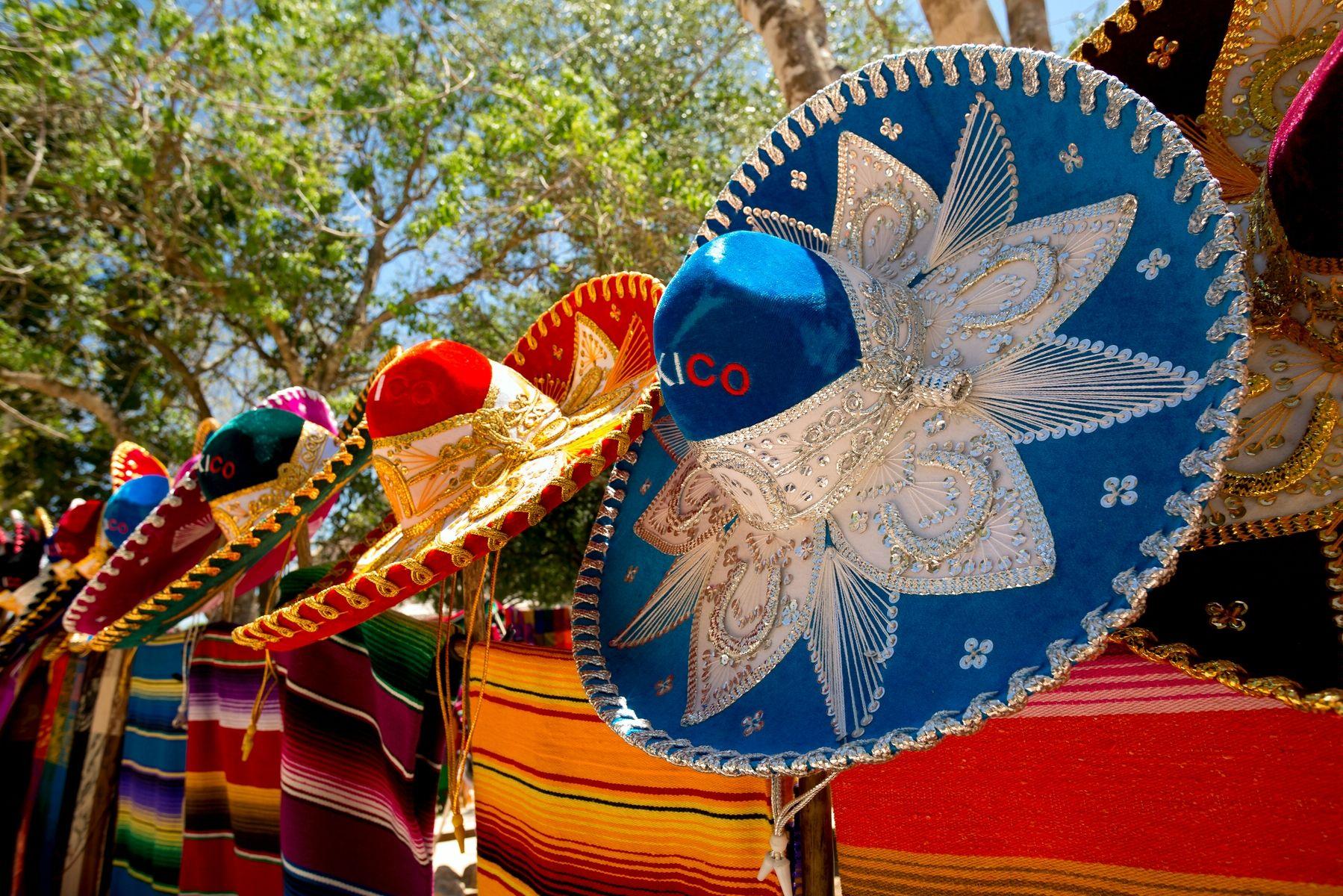 Імперія-Тур | Що привезти із Мексики: вибираємо сувеніри