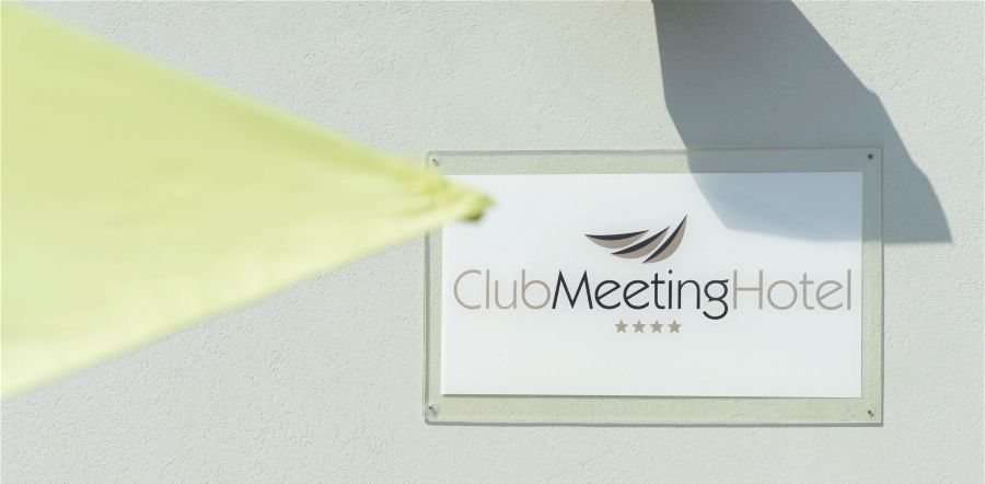 (ex. DAYS INN). Внешний вид. CLUB MEETING 4*