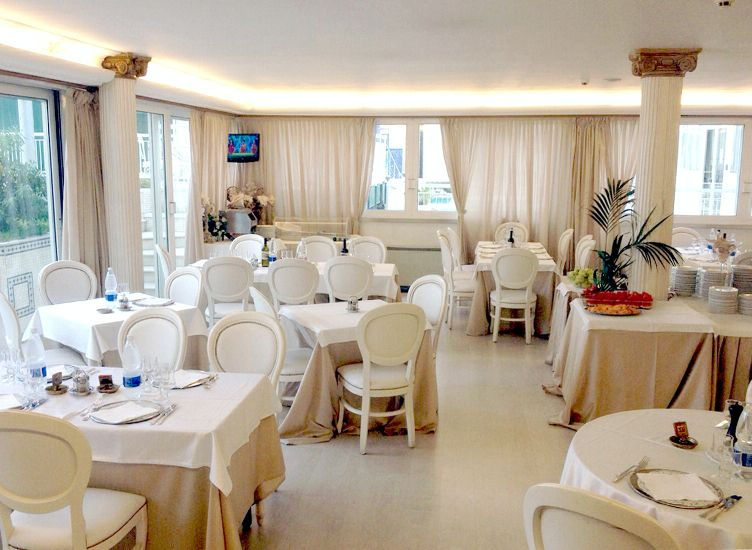 �������� Prive. ������� ���. GRAND HOTEL MICHELACCI 4*