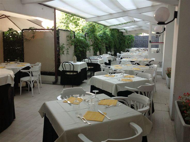 Рестораны/бары. M GLAMOUR HOTEL 4*