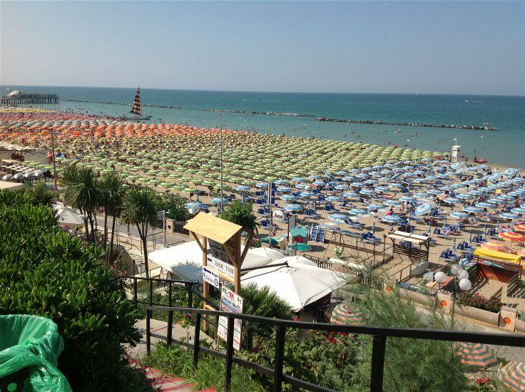 Пляж. M GLAMOUR HOTEL 4*