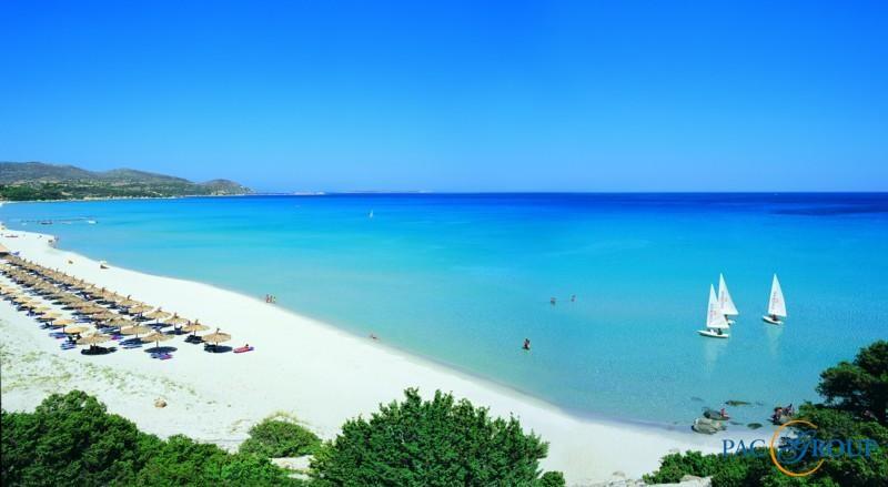 ПЛЯЖИ Пляжи Италии преимущественно песчаные, омываются чистейшими