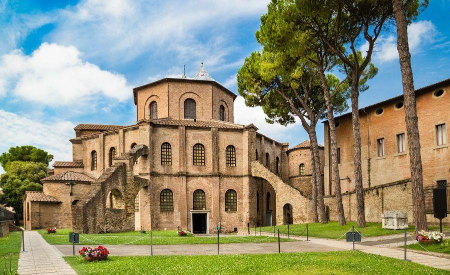 Равенна. Базилика Сан-Витале