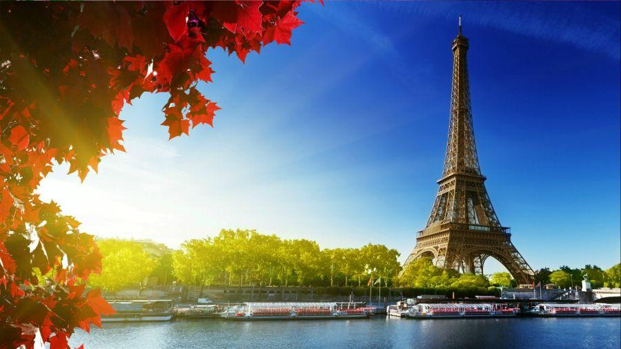 Париж. Эйфелева башня на рассвете