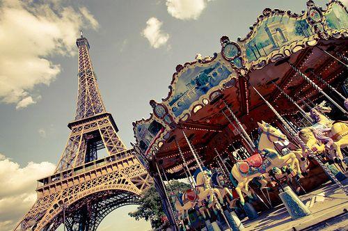 Париж детям. Карусель