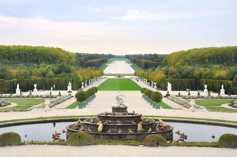 Версаль. Вид на парк и фонтан Латоны