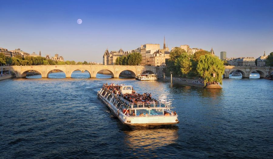 Париж. Округ 6. Вид на мост Пон-Нёф. Округ 6 – Сен-Жермен