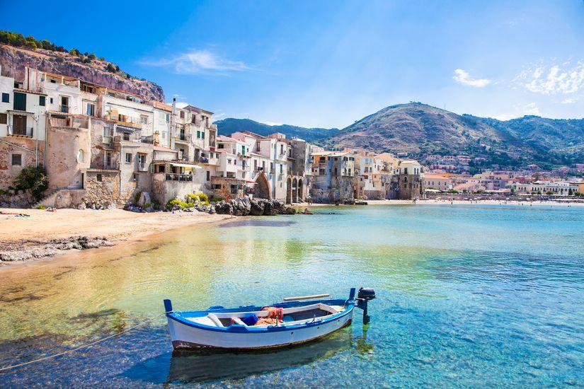 Чефалу. остров Сицилия