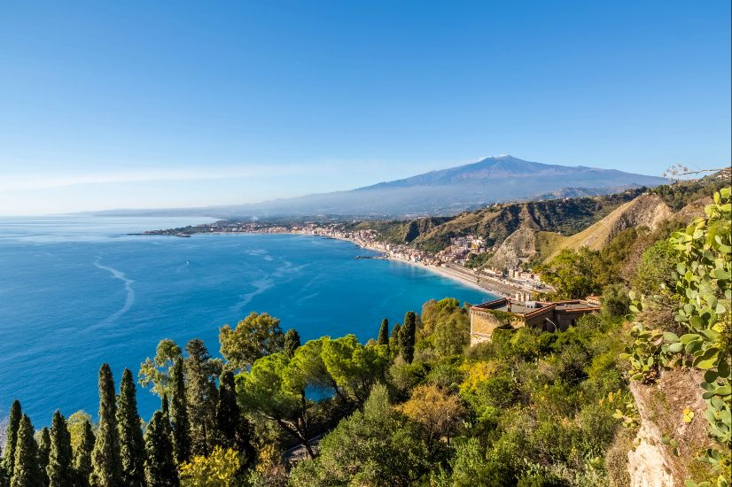 Джардини-Наксос. остров Сицилия