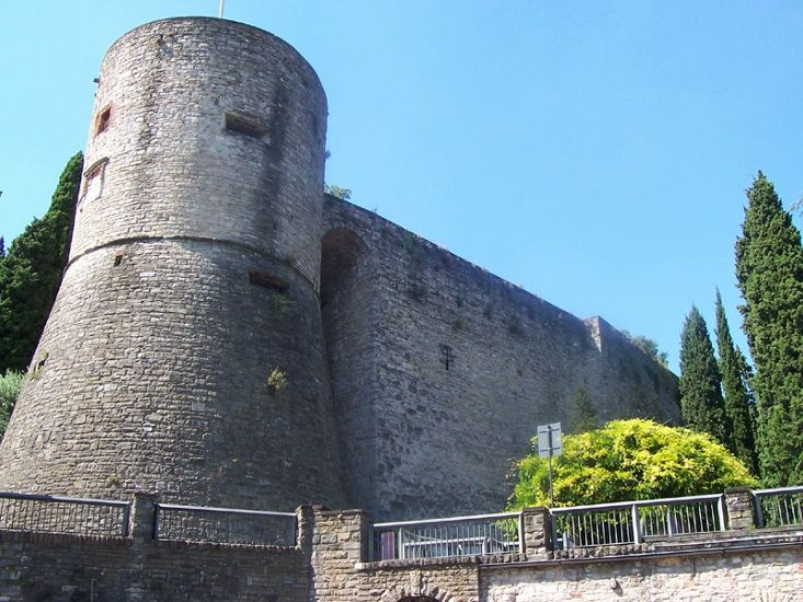 Бергамо, Рокка (замок на скале)