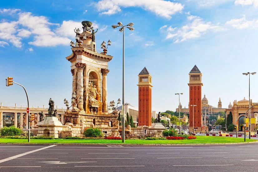 Барселона. Площадь Испании, Венецианские башни